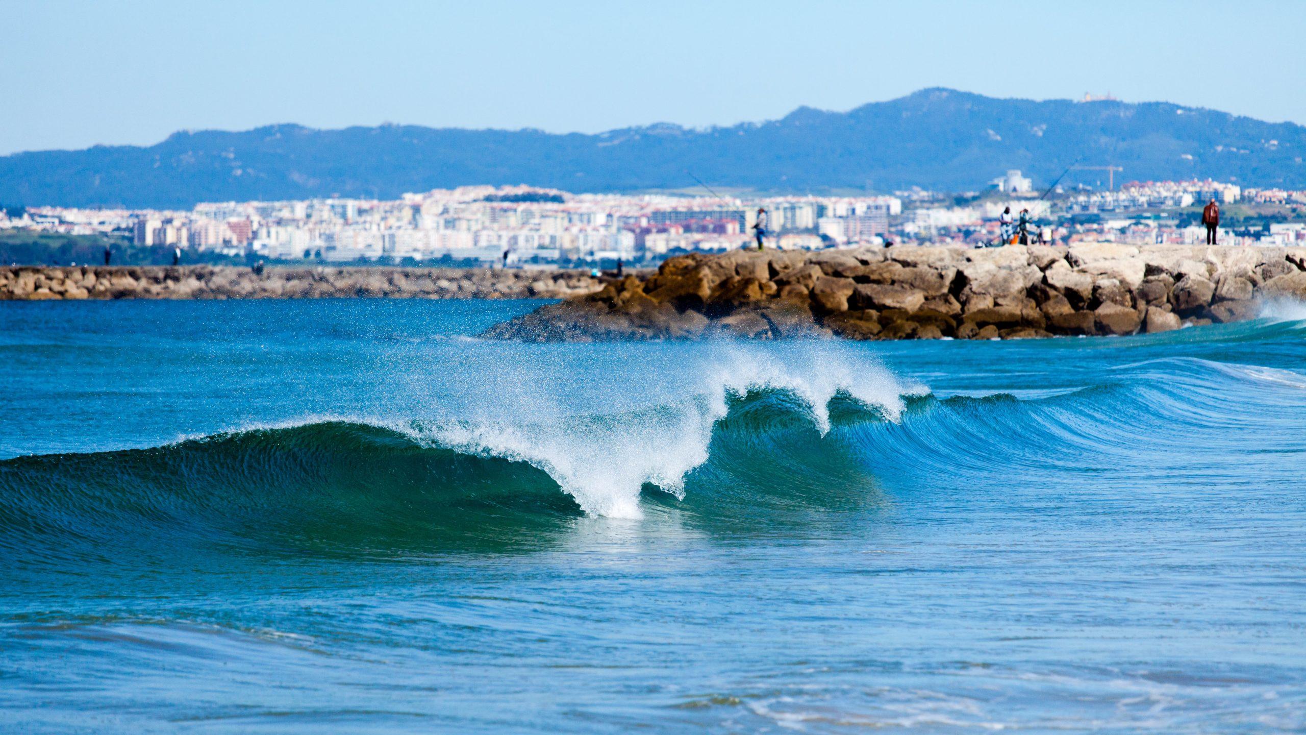 Surfing Portugal - Lisbon