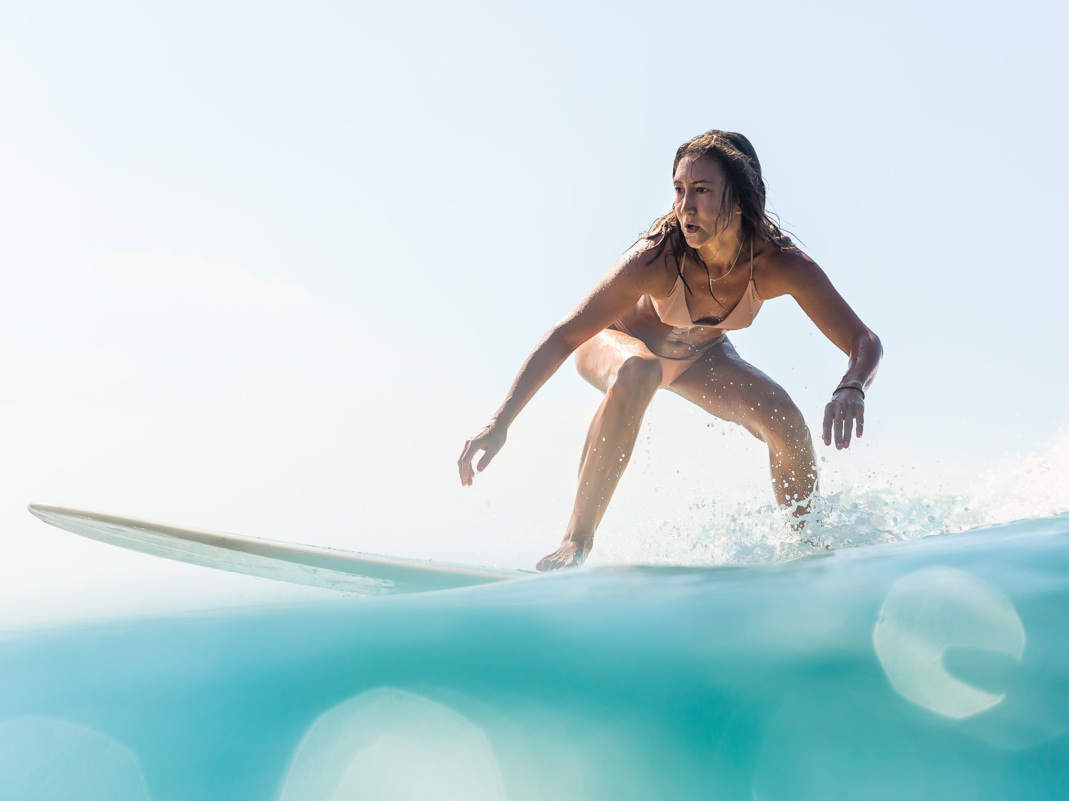 how to turn on a surfboard