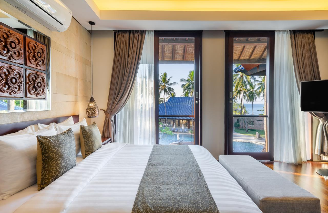 surf hotel near desert point Lombok