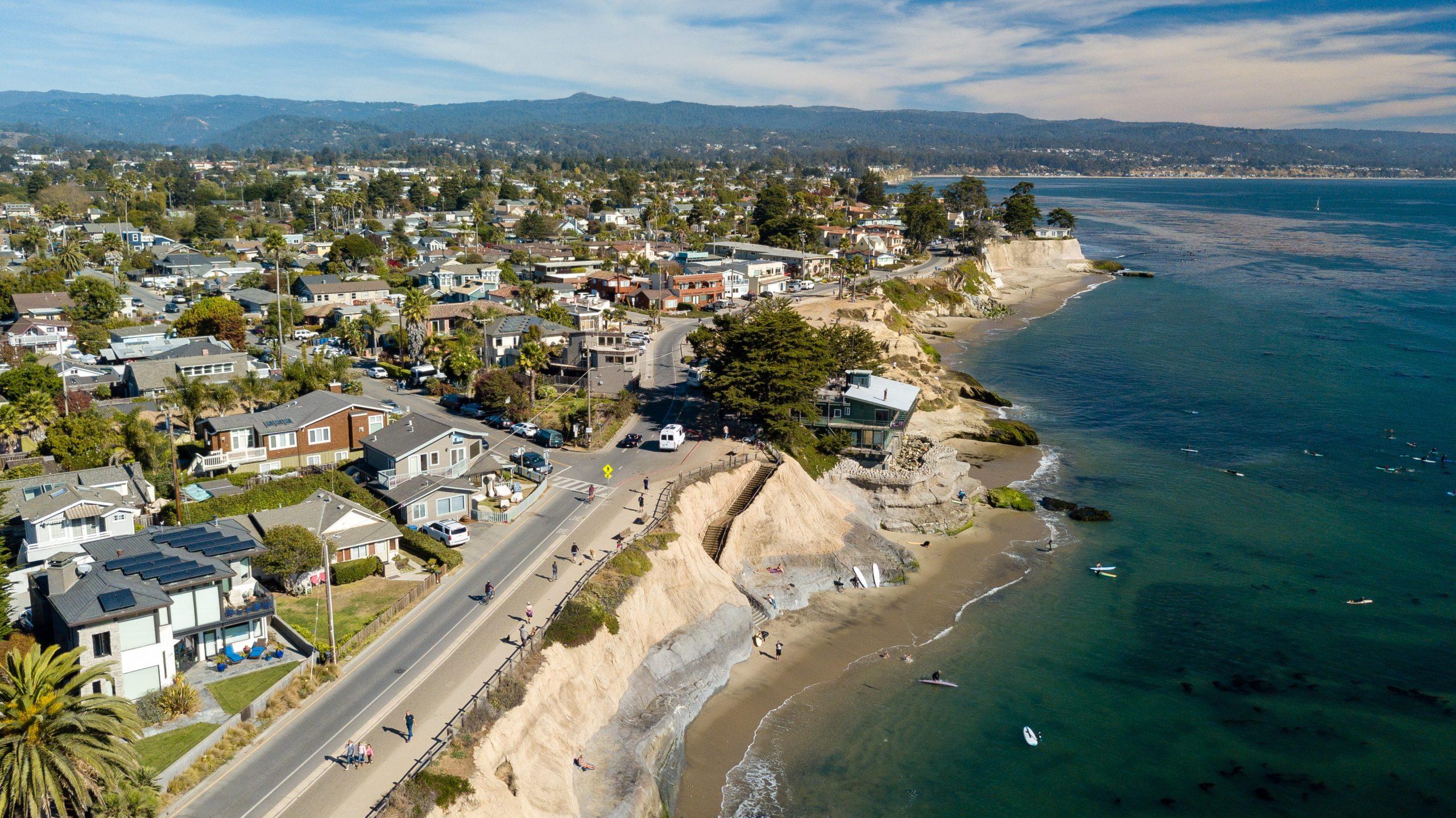 Surfing Santa Cruz - Pleasure Point